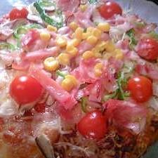 ベーコンのMIXピザ!お昼に。