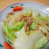 豚ひき肉とキャベツと玉ねぎのコンソメ炒め