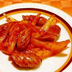 ウインナーと玉ねぎのピリ辛ケチャップ炒め
