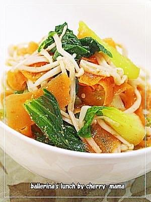 お弁当に★チンゲン菜とにんじんの麺つゆ胡麻和え