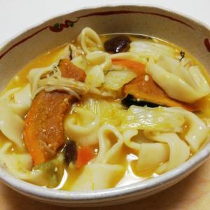 タップリ野菜と豚肉の味噌ほうとう