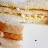 カッテージチーズとハーブのトーストサンドイッチ