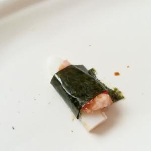 かまぼことねぎとろと干し小エビの海苔巻き