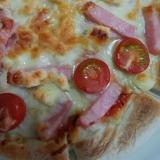トマトハムピザ