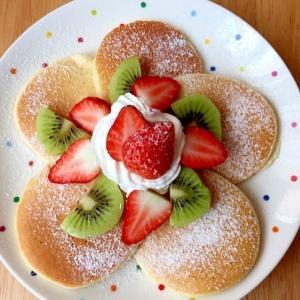 子供が喜ぶ♪お花咲く♡フルーツパンケーキ