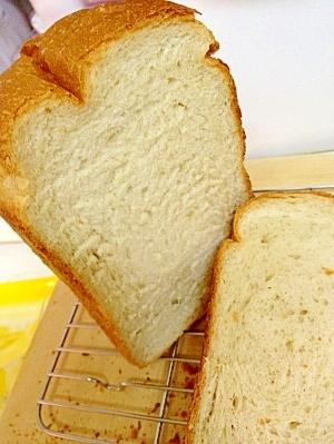 ふわふわ優しい甘さの食パン☆HBで簡単