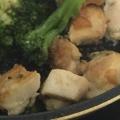 鶏もも肉、ブロッコリーの醤油風味炒め