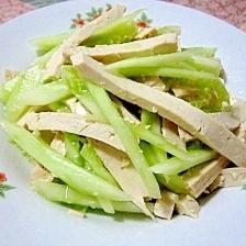 細切り押し豆腐ときゅうりの和え物(豆腐干拌黄瓜)