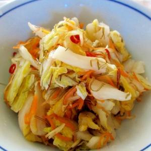 ゆず、生姜、スルメ入りの白菜漬け