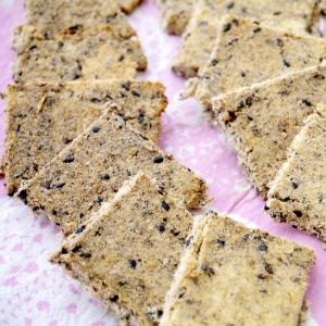 材料3つ&ビニル袋ひとつで★おからとゴマのクッキー
