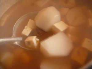 里芋・豆腐の味噌汁