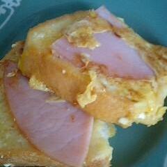 ハムと粉チーズのフレンチトースト