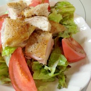 パリパリ!ガーリック塩焼きチキンのサラダ♪