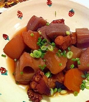 ほっこり~。タコと根菜の煮物