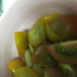 りんごとトマトの炒め物