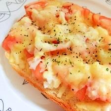 トマトと玉ねぎのチーズのトースト♪