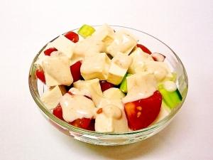 塩麹豆腐ときゅうりとトマトのヨーグルトサラダ