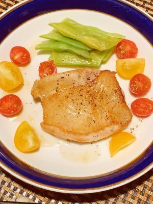 フライパンで簡単、鶏肉の馬告ソテー