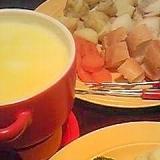 子どもにも食べやすい♪優しい味のチーズフォンデュ。