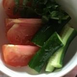 クレソン、トマト、きゅうりのサラダ