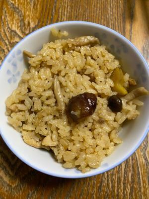 変わり種?きのこと豚肉と甘栗の中華風炊き込みご飯