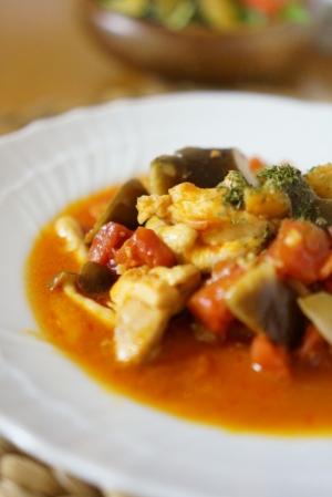 くたっと味しみ♡鶏肉となすのトマト煮