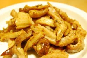 豚ガツ(胃袋)のピリ辛しょう油炒め