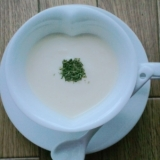 フードプロセッサーで簡単に!じゃがいもの冷製スープ