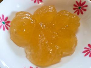 片栗粉でみかんジュースわらび餅