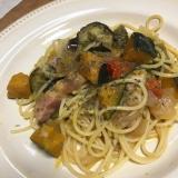 ゴロゴロ野菜と厚切りベーコンのパスタ