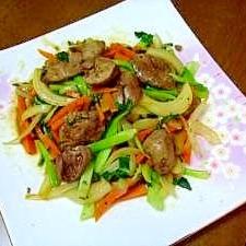 鉄分補給!鳥レバーの青梗菜と新タマ炒め 焼肉のタレ