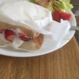 苺とヨーグルトのサンドイッチ