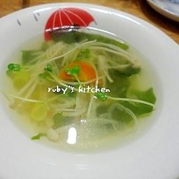 白ネギとわかめの中華風スープ