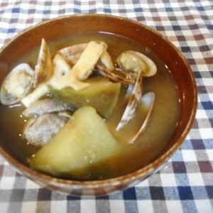 ナスとアサリの味噌汁