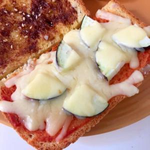 ナスのチーズトースト