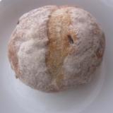 白桃天然酵母のカンパーニュ風手作りパン+*.:+*