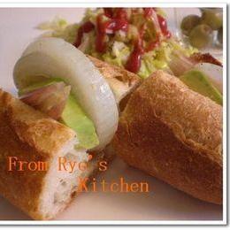 アボガドとみょうがの和風サンドイッチ