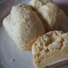 混ぜて焼くだけ♡きな粉豆乳パン
