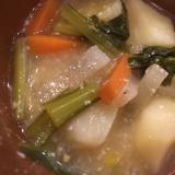 小松菜と大根と人参とじゃがいもの粕汁