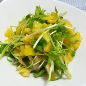 鶏皮でもう1品☆鶏皮と空心菜のパイナップル和え