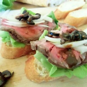 ローストビーフオープンサンドイッチ