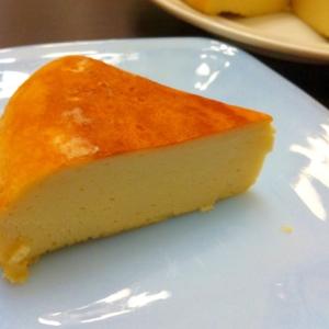 炊飯器とミキサーで簡単〜明日の朝食はチーズスフレ!