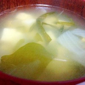朝からホッコリ★たまねぎ、豆腐の味噌汁