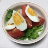 トマトとゆで卵のシンプルサラダ