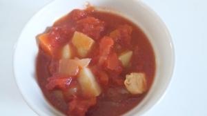 味付けなしでプレーントマトスープ
