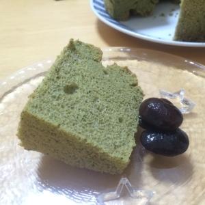 新緑の頃にぴったり!抹茶のシフォンケーキ