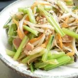 小松菜の軸ともやしの塩昆布炒め