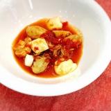 牡蠣とモッツァレラのトマトソース煮