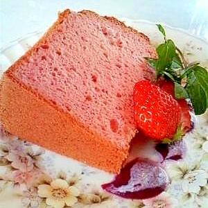 ふわふっわーの苺ミルクシフォンケーキ