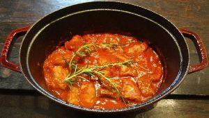 ストウブで簡単!スペイン料理 豚肉のトマト煮込み